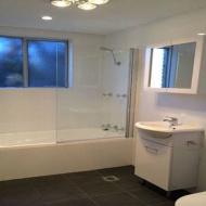 Bathroom-and-Vanities-10