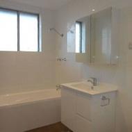Bathroom-and-Vanities-13